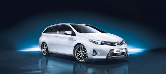 Auris Hybrid Touring Sports Trend